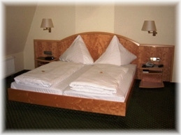 Zimmer wilder mann obrigheim for Komfortzimmer doppelzimmer unterschied